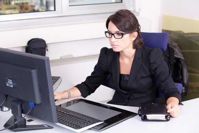 female fixed fee accountant